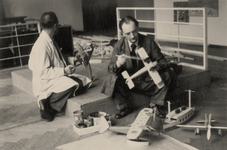 František Malý at preparing works of the Children's Department for the exhibition of Young Slovakia in Uměleckoprůmyslové museum v Praze
