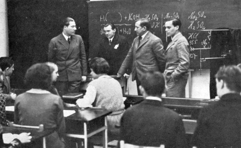 László Moholy-Nagy visiting the School